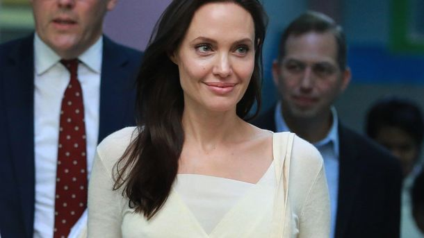 Анджелина Джоли награни анорексии: артистка похудела до34кг