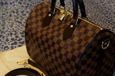 Во Франции преступники вынесли со склада сумки Louis Vuitton на 1 млн евро