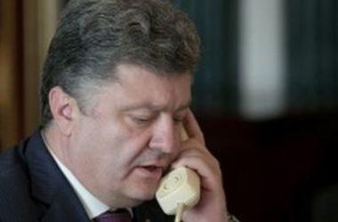 Порошенко обсудил с Меркель санкции против России