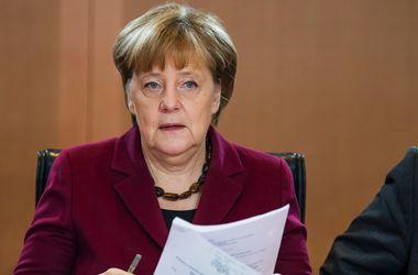 """Меркель призвала Трампа не ставить под вопрос политику """"одного Китая"""""""