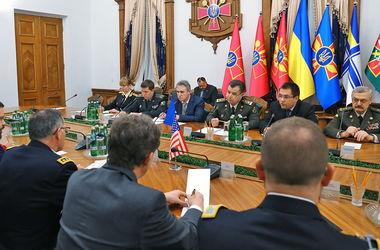 Минобороны практически выполнило план реформирования на 2016 год – Полторак