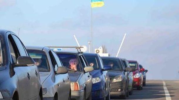 Неменее 1200 авто застряли вочередях награнице Украины иПольши