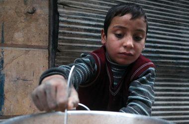 Сирийская оппозиция сообщила о возобновлении эвакуации жителей Алеппо