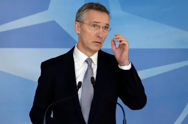 На саммите НАТО-Россия будут говорить об Украине - Столтенберг