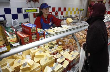 Украинцы стали больше есть и меньше экономить на продуктах