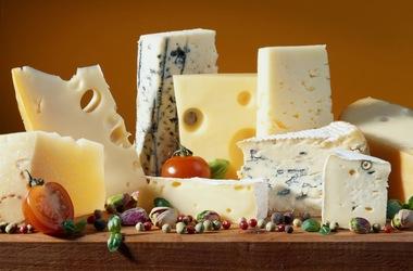 Украинский сыр станет дороже импортного