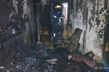 В киевской многоэтажке произошел масштабный пожар