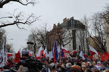 Политический кризис в Польше: Оппозиция собрала многотысячный митинг