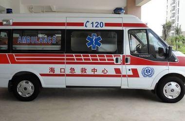 Упавшие металлические конструкции раздавили четырех человек в Китае