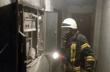 Масштабный пожар в Киеве: из многоэтажки эвакуировали 20 жильцов