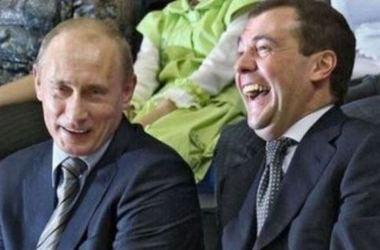 Медведев поздравил Путина и пригласил на чай