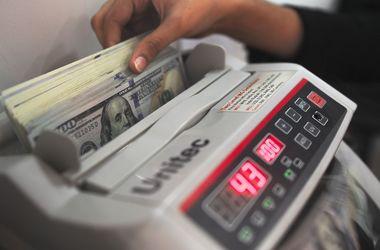 В Украине вырос курс доллара в обменниках и на черном рынке