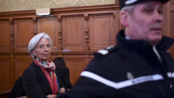 Лагард осталась директором МВФ невзирая на вердикт суда воФранции