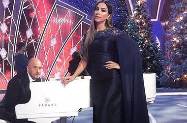 Ани Лорак появилась на людях в прозрачной блузке как у Алины Гросу (фото)
