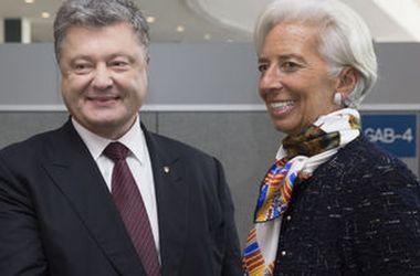 Порошенко и Лагард договорились встретиться в январе