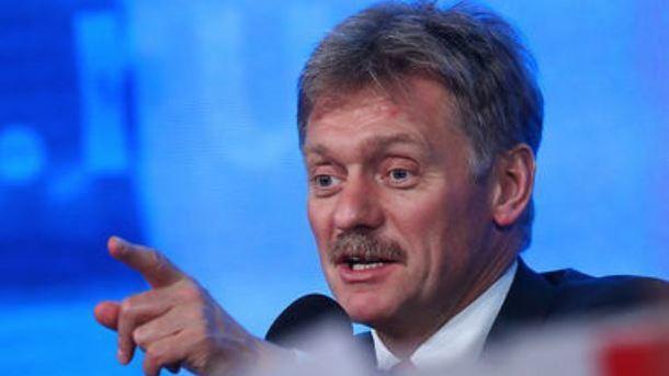 Песков объявил, что неслышал опланах эвакуировать дипломатов изТурции