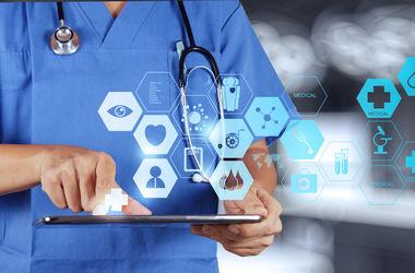 В 2017 году Минздрав обещает ввести страхование, электронные медкарты и бесплатные лекарства