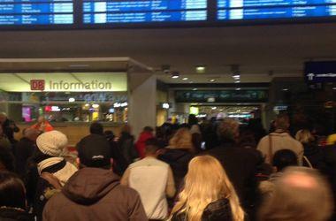 Из-за угрозы взрыва в Кельне эвакуировали людей с центрального вокзала