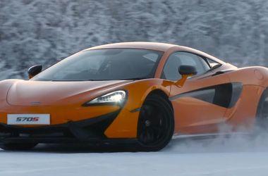 Танцы на льду: спорткар McLaren устроил дрифт на замерзшем озере