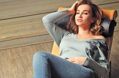 """Анфиса Чехова решилась на """"голое"""" фото во время массажа"""
