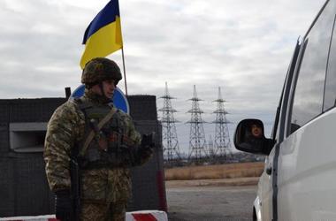 ОБСЕ рассказала об огромных очередях на Донбассе