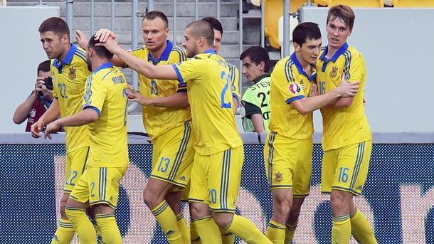 Сборная Российской Федерации пофутболу опустилась нарекордно небольшое место