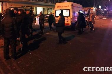 Подробности ночного сноса ларьков в Киеве: в драке возле КПИ пострадали пять человек