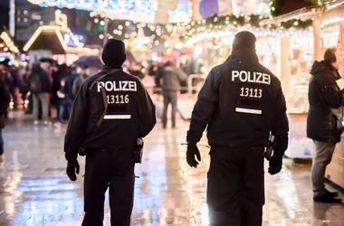 Семья подозреваемого в совершении теракта в Берлине призывает его сдаться