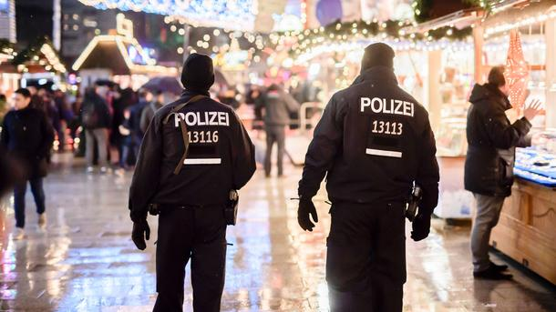 Очевидный берлинский террорист две недели назад оборвал связи ссемьей
