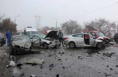 Масштабные аварии в Днепре: за утро разбились 20 машин