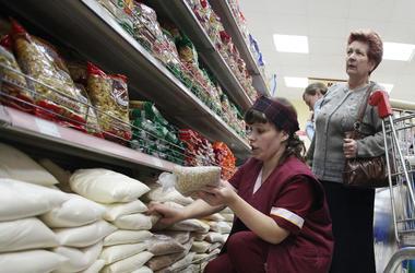 Во сколько украинцам обойдется новогодний стол и в каком супермаркете выгоднее покупать продукты
