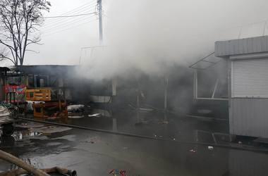Масштабный пожар на рынке в Киеве: новые подробности