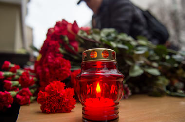 Крушение Ту-154: разговоры о теракте считают преждевременными, а к поискам погибших привлекут еще более тысячи военных