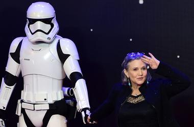 """Мать актрисы из """"Звездных войн"""" рассказала о состоянии дочери после сердечного приступа"""