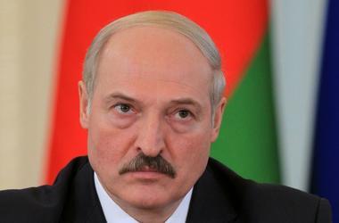 Лукашенко без объяснений решил проигнорировать саммиты ЕврАзЭС и ОДКБ в Петербурге