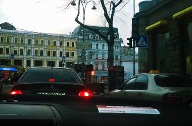 В Киеве на Бессарабке появился пешеходный переход