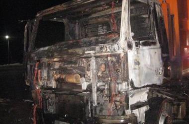 В Львовской области загорелся мусоровоз: рядом найдено тело водителя