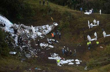 """Стали известны причины, из-за которых мог рухнуть самолет с командой """"Шапекоэнсе"""""""