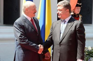 Лукашенко обратился к Порошенко