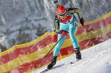 Биатлонистка Анастасия Меркушина - лучшая спортсменка декабря