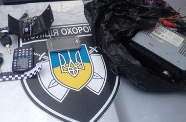 В Киеве полиция поймала двух грабителей на выходе из маршрутки