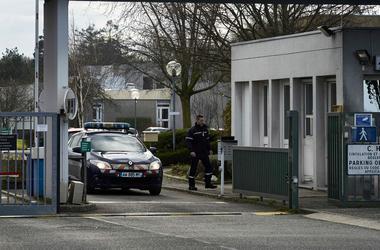 Во Франции психбольной мужчина зарезал трех человек