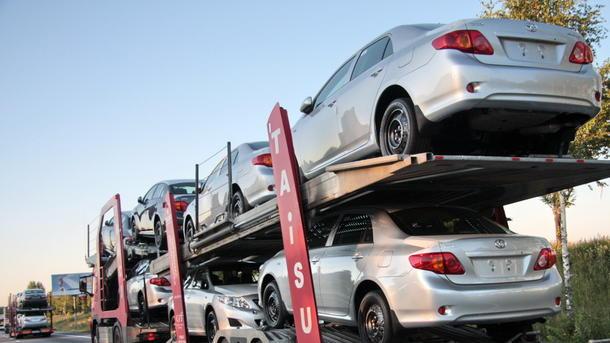 Кабмин одобрил спецпошлины наввоз авто изЕС