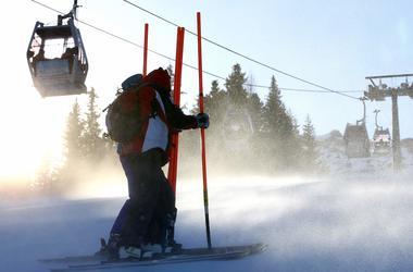 Этап Кубка мира по горнолыжному спорту в Италии отменен из-за сильного ветра