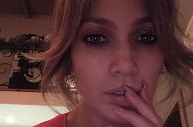 Дженнифер Лопес подогрела слухи о романе с Дрейком милым снимком