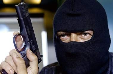 В Кривом Роге банда грабила людей на пороге банка