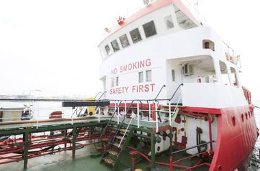 Два члена экипажа с арестованного в Ливии судна вернулись в Украину