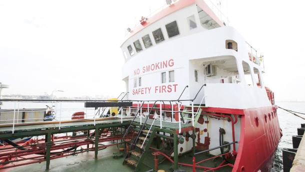 МИД: Двое моряков сарестованного вЛивии судна вернулись в государство Украину