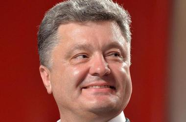Порошенко поздравил украинских шахматистов с победой на чемпионате мира по быстрым шахматам