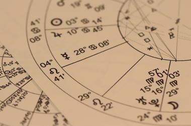 Гороскоп на 2017 год для каждого из знаков зодиака: самый удачный год у Весов, а Ракам нужно думать о себе